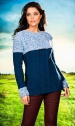 Blusa con Angelical!  Elige tu lana en Atika, sugerimos que utilices lana Nevilan  o Mollet. Disponible en varios colores. www.facebook.com/atika.bolivia