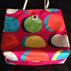 Estée Lauder beach bag Perfect condition other than two tiny pen marks on the yellow dot. Great for traveling! Bags Travel Bags