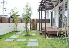 詳しくは投稿をご覧ください。 Backyard, Patio, House Roof, Green Flowers, Ideal Home, Entrance, Pergola, Exterior, Outdoor Structures