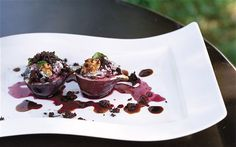 Black figs filled with Roquefort, topped with walnut, grated chocolate and basalmic vinegar