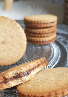 Princes maison healthy et vegan sans sucres ajoutés – By Flora B – modified Healthy Cereal, Healthy Cake, Healthy Snacks, Gourmet Recipes, Sweet Recipes, Vegan Recipes, Dessert Recipes, Biscuit Vegan, Healthy Biscuits