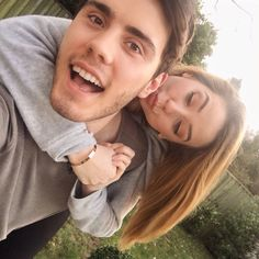 Zoella and Alfie Jack And Conor Maynard, British Youtubers, Zoe Sugg, Vlog Squad, Matthew Espinosa, Tyler Oakley, Girl Online, Poses, Cute Couples