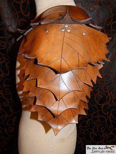 Armadura de hombro de cuero hoja color de por lantredurenard