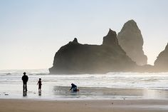 A Stop-By-Stop Guide to the Oregon Coast with Kids... I want to go to some of these places!