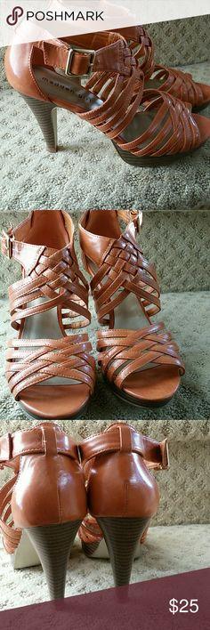 Orange strappy Sandals Excellent condition 4 in heel/1/2 in platform Madden Girl Shoes Sandals
