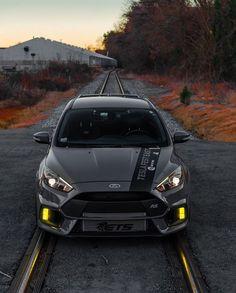 "Ford Focus RS en Instagram: ""ETS. Stealth Mk3 RS. 👤/📸 : @tipsymedia"" Ford Ecosport, Ford Shelby, Car Ford, F250 Ford, Shelby Gt500, Ford Focus Sedan, Ford Focus Hatchback, Ford Maverick, Ford Bronco"