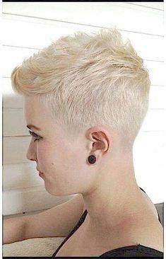 15 Really Cute Short Haircuts All Ladies Should See: Short Blonde Pixie - Frisuren Short Sassy Hair, Short Hair Cuts For Women, Short Hair Styles, Short Cuts, Nice Short Haircuts, Summer Haircuts, Super Short Hairstyles, Haircut Short, Shaved Pixie