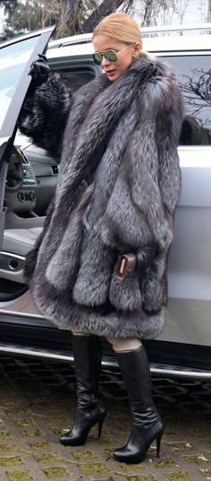 New Swinger Royal Saga Silver Fox Fur Coat Lik Sable Mink Chinchilla Lynx Poncho | eBay