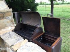 Slow Smoke Beef Brisket Like a Competitor! Want to smoke a brisket like the big boys do? Go competition style and learn how you can slow smoke a beef Brisket Meat, Beef Brisket Recipes, Smoked Beef Brisket, Smoked Pork, Grilling Recipes, Jerkey Recipes, Rub Recipes, Smoked Turkey, Pork Recipes