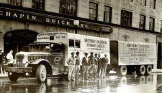 New post on vintageeveryday Antique Trucks, Vintage Trucks, Gmc Trucks, Cool Trucks, Classic Trucks, Classic Cars, Gmc Motors, Big Ride, Driving School