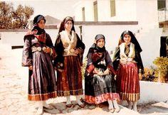 Σκύρος - 1970 Skiathos, Greek Costumes, Greece, Sequin Skirt, Nostalgia, Sequins, Traditional, Islands, Memories