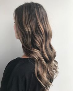 Hair Color Balayage, ombré and shades for winter 2019 - hair color 2019 7 Brown Hair With Blonde Highlights, Brown Ombre Hair, Honey Blonde Hair, Brown Hair Balayage, Burgundy Hair, Light Brown Hair, Hair Color Balayage, Hair Highlights, Fall Blonde