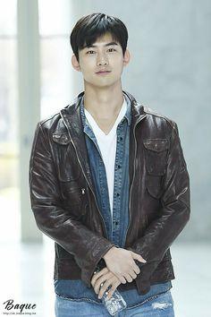 Korean Male Actors, Korean Men, Asian Men, 2pm Kpop, Kdrama, Ok Taecyeon, Attitude, Music Film, Pop Fashion