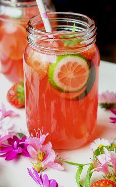 Rhubarb, strawberry and mint limenade