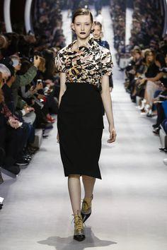 35d03ce8f51 Dior Ready To Wear Fall Winter 2016 Paris