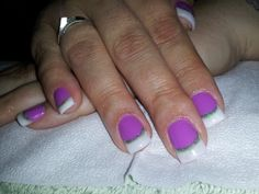 Purple En Vogue Gel Nails with French Tips & Green Sparkle Accent