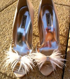 Shoe Clips Ostrich Feather Shoes Clips Feather by HouseOfGlitter2, $20.00