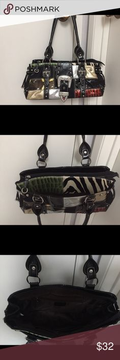 Guess purse Funky fun purse.  Like brand new! Guess Bags Shoulder Bags