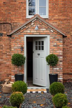 Our composite doors suit any home in various colours. Design your dream door with Endurance. Cottage Front Doors, House Front Porch, Small Front Porches, Cottage Porch, Front Porch Design, House Entrance, Porch Extension, Cotswold House, Front Door Canopy