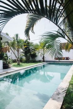 122 Awesome Tropical Home Design with Mini Pool - Wartaku.net