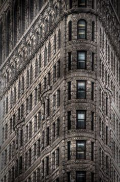 I love the Fuller Building (aka The Flatiron Building). This is an iconic NYC building that's shot all the time. I wanted to try to do something different with the shoot - kind of give it my own spin - taking it back to the Gotham City type feel. Flatiron Building, Chrysler Building, Digital Photography School, Hdr Photography, Amazing Architecture, Art And Architecture, Edificio Flatiron, New York Landmarks, Famous Buildings
