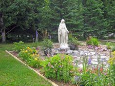Catholic Outdoor Prayer Garden Moss Garden, Garden Paths, Garden Art, Garden Landscaping, Garden Design, Prayer Garden, Meditation Garden, Marian Garden, Outdoor Statues