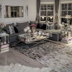WEBSTA @ hanas_home - Håper dagen deres har vært fin og ønsker dere forttsat fin kveld❤ welcome to all new followers❤enjoy the rest of the evening#myhome #livingroomgoals #livingroom #interiorandhome #interior4all#interior4you1 #interiores #interiordesigner #interiordesign #hem_inspiration #finehjem #dreaminteriors #classyinterior #classicliving #decorationideas #decorating #decor#decorations #interiør #interior444