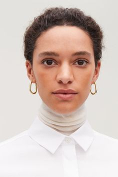 Detailed image of Cos oval hoop earrings in gold Wardrobe Sale, Small Wardrobe, Gold Accessories, Shape Design, Detailed Image, Things To Buy, Geometric Shapes, Gold Earrings, Jewelry Collection