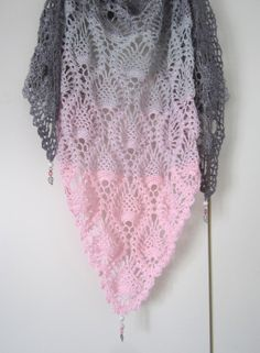 Crochet Patterns Poncho Welcome to the not so anonymous wool and Häkelsüchtigen :) In De . Crochet Shawls And Wraps, Knitted Shawls, Crochet Scarves, Crochet Clothes, Poncho Knitting Patterns, Shawl Patterns, Crochet Patterns, Knitting Yarn, Mode Crochet