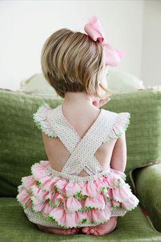 Love the ruffle butts for little girls:) Short Hair Cuts, Short Hair Styles, Little Girl Haircuts, Kids Short Haircuts, Kids Cuts, Peinados Pin Up, My Baby Girl, Cut And Style, Little Girls
