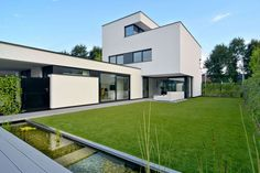 Stylish and Minimalist Home by CKX architecten Commercial Architecture, Residential Architecture, Contemporary Architecture, Architecture Design, Ultra Modern Homes, Indoor Outdoor Living, Exterior House Colors, Modern Buildings, Minimalist Home