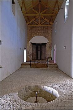 Hacienda San Antonio de Clavinque. Mairena del Alcor (Sevilla). Nave de la prensa de viga
