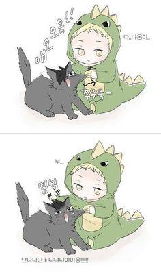 This is the awful part about kids: he's doing the meanest thing to this cat, yet still manages to exceed the realms of cuteness. Haikyuu Tsukishima, Kuroo Tetsurou, Haikyuu Funny, Haikyuu Fanart, Hinata, Kagehina, Kawaii, Anime Bebe, Chibi