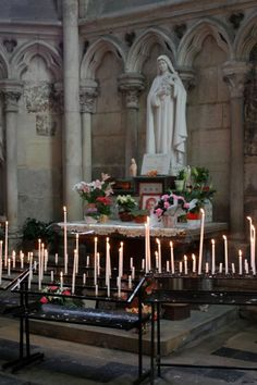 Sainte Thérèse de l'Enfant Jésus, in Amiens cathedral, France