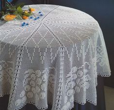 Knitted cloth with crochet scheme