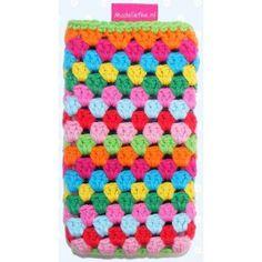 Colorful crochet smartphone case. De gehaakte smartphonehoesjes hebben zijn geschikt voor iPhone, Blackberry, Samsung Galaxy of andere smartphones, maar ook voor je iPod!