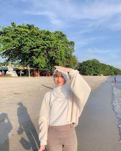 Hijab Fashion Summer, Modest Fashion Hijab, Modern Hijab Fashion, Street Hijab Fashion, Casual Hijab Outfit, Hijab Fashion Inspiration, Muslim Fashion, Look Fashion, Casual Outfits