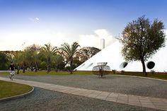 Oca @Parque Ibirapuera Sao Paulo. A nice building designed by Oscar Niemeyer. For the expos and events schedule check http://www.parquedoibirapuera.com/oca.php