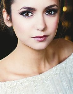 Amazing makeup on Nina Dobrev!