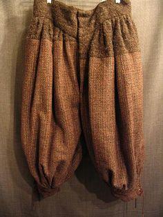 09018996 breeches mens 17th Cent. grey brown wool W 37.JPG