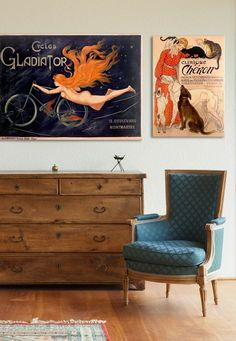 How cool are these #vintage posters? I haven't thought about hanging multiple vintage posters up together, but I'm really feeling this look!