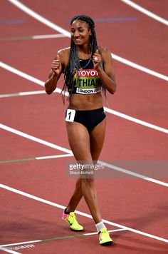 Nafissatou Thiam of Belgium celebrates after the Women's Heptathlon 800 metres and winning gold in the Heptathlon during day three of the IAAF World Athletics Championships London 2017 at The. Jackie Joyner Kersee, Heptathlon, Female Runner, World Athletics, People Poses, Olympic Athletes, Muscle Girls, Sports Stars, Fitness Models