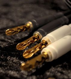 Paradox Audio - Professional high end hifi audio cables, speaker cables and power cables High End Hifi, High End Audio, Hifi Audio, Audio Speakers, Power Cable, Amp