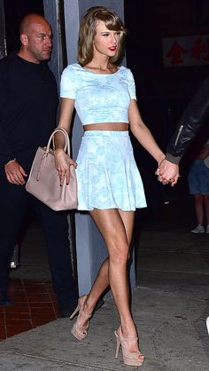 13 Celeb-Inspired Halloween Costumes You Already Have In Your Closet | Taylor Swift