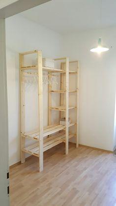 Diy Home Decor Bedroom, Room Ideas Bedroom, Closet Bedroom, Diy Pallet Furniture, Home Decor Furniture, Furniture Projects, Shelves For Clothes, Pallet Closet, Home Room Design