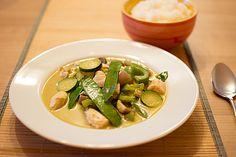 Grünes Thai - Curry mit Huhn, ein beliebtes Rezept aus der Kategorie Geflügel. Bewertungen: 10. Durchschnitt: Ø 3,9.
