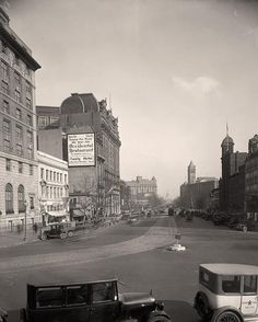 picture of Pennsylvania Avenue.  It was taken between 1905 and 1945 by Harris & Ewing.