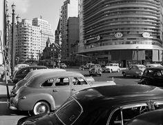 1952 - Avenida Casper Líbero. Ao fundo, à direita da avenida, temos a Igreja de Santa Ifigênia.