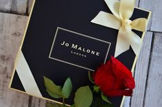 Nothing says I love you like @jomalonelondon red roses #jomalone #bblogger #bbloggers #beauty #jomalone #valentines #roses