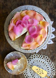 Orange and Honey Rose Cake Garnished w/ Edible Rose Petals Delicious Desserts, Dessert Recipes, Yummy Food, Cupcake Recipes, Healthy Desserts, Honey Rose, Flower Food, Rose Cake, Let Them Eat Cake